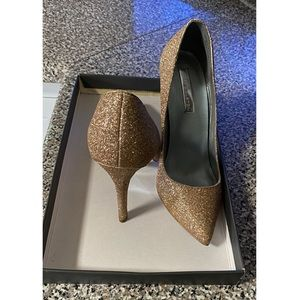 Shoes - Formal Gold Glitter Pump size 6